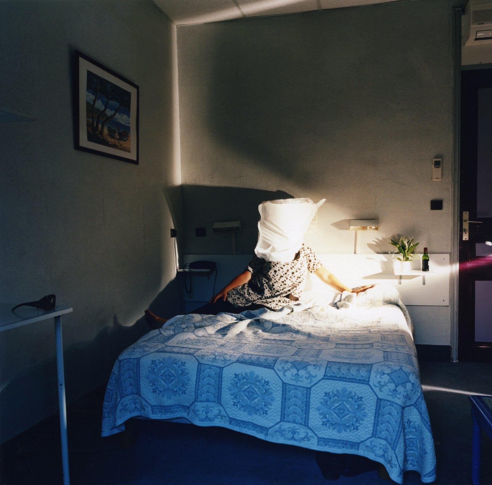 Hotel Mediterraneé 17:56, 2008, C-print, 65 x 65 cm