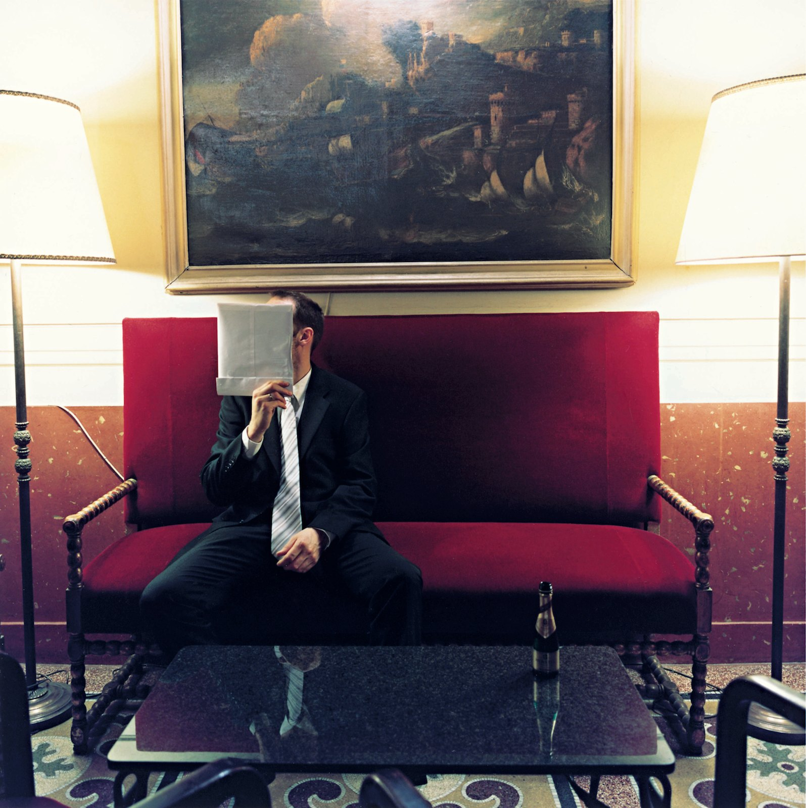 Hotel Grand Plaza 13:34, 2008, C-print, 65 x 65 cm