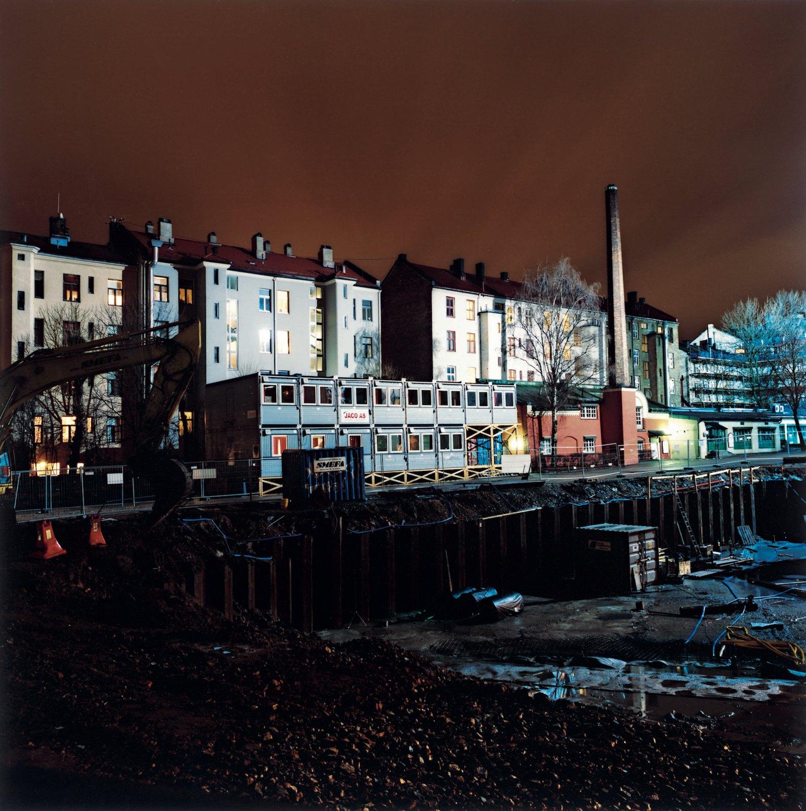 Neighbourhood 23:30, 2008, C-print, 100 x 100 cm