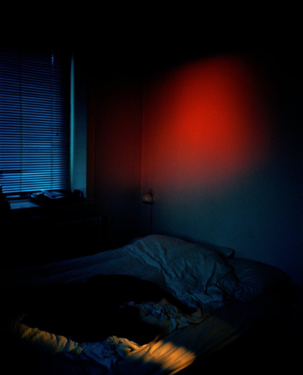 velvet glow, 2009, C-print, 101 x 83 cm