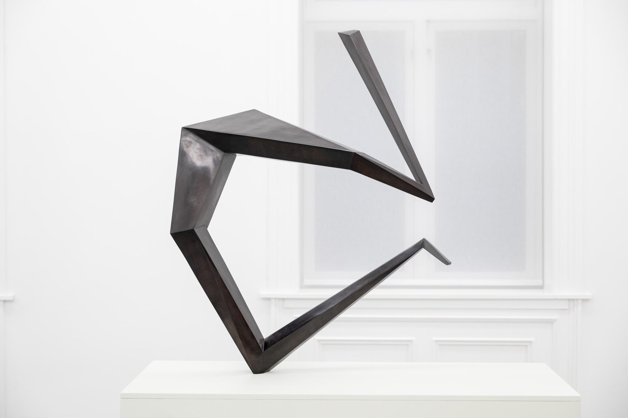 Open Fold, 2020, Patinated bronze, H 107,5 x B 58,5 x D 88 cm, Ed. 3 + 1 AP