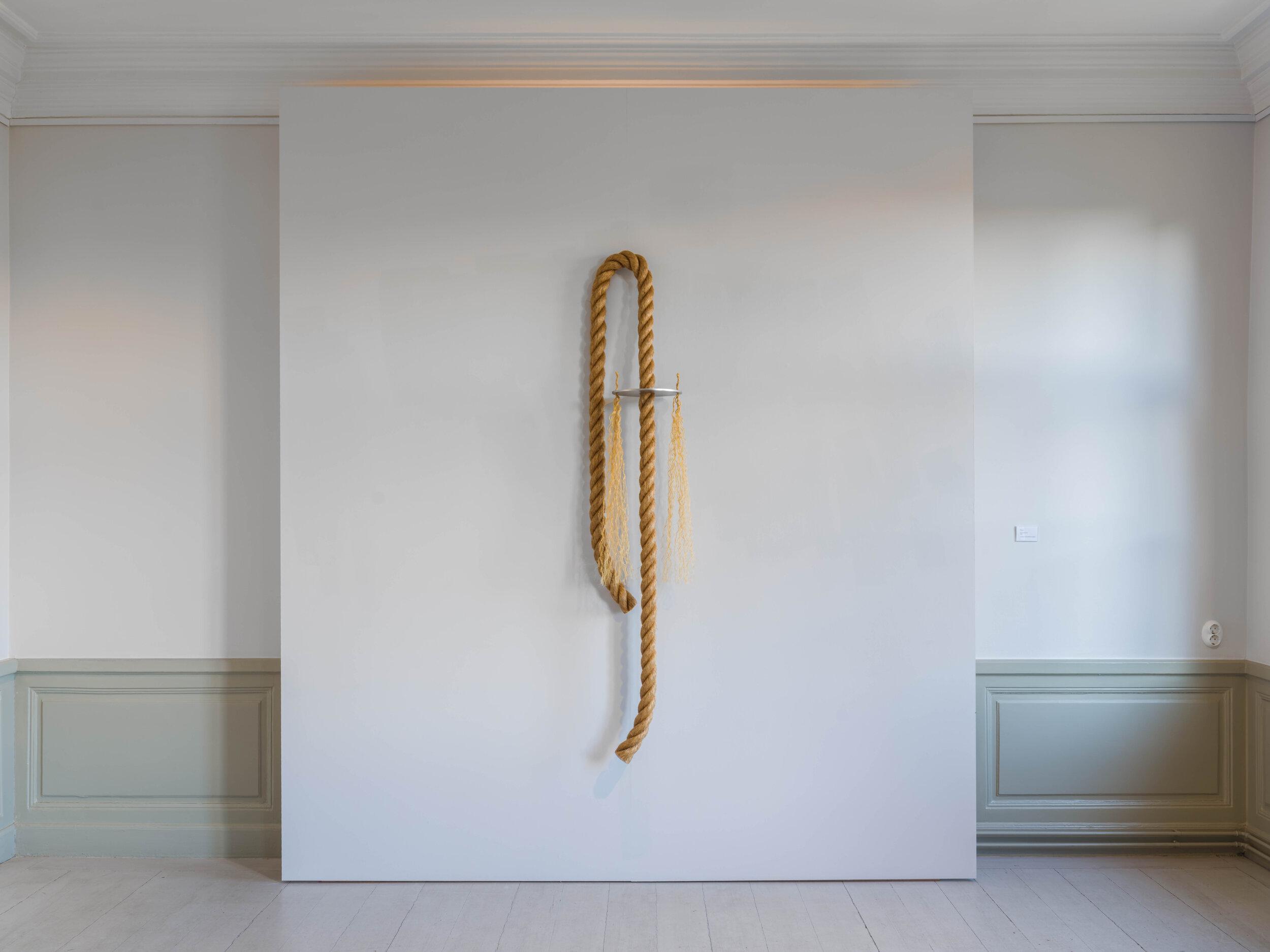 Flickan, 2020, Rope, stainless steel, 190 x 55 cm
