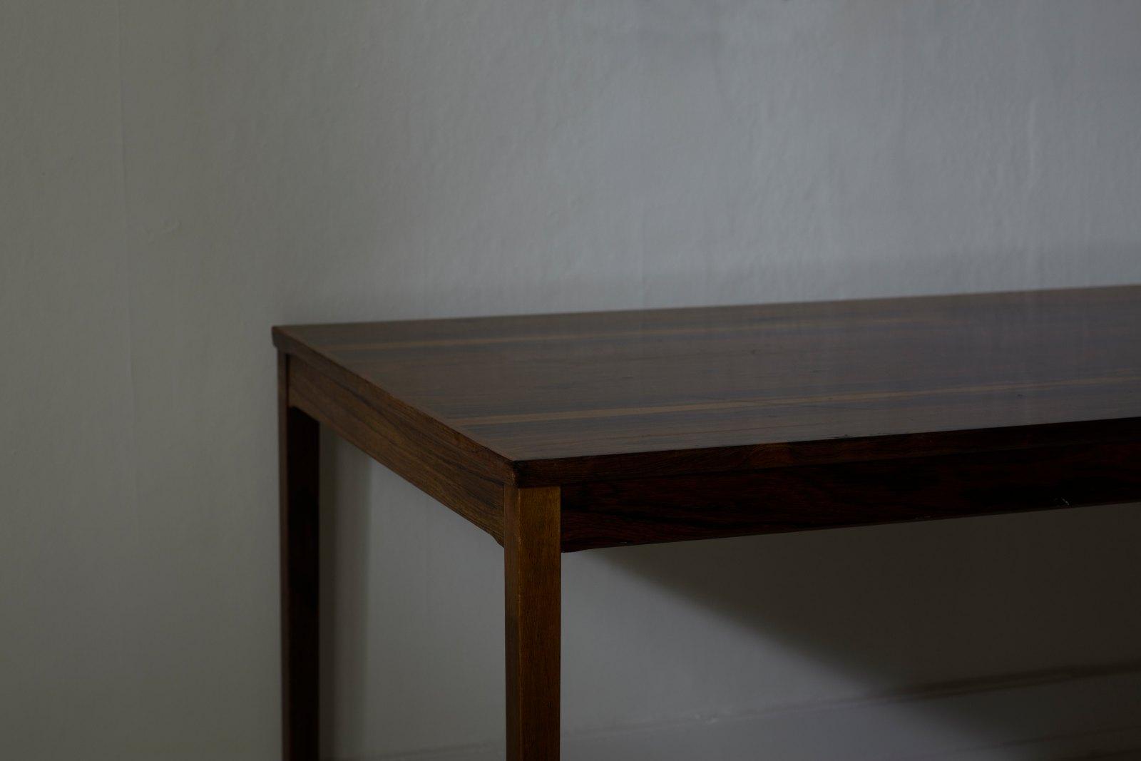Corner, 2010, C-print, 77 x 111 cm