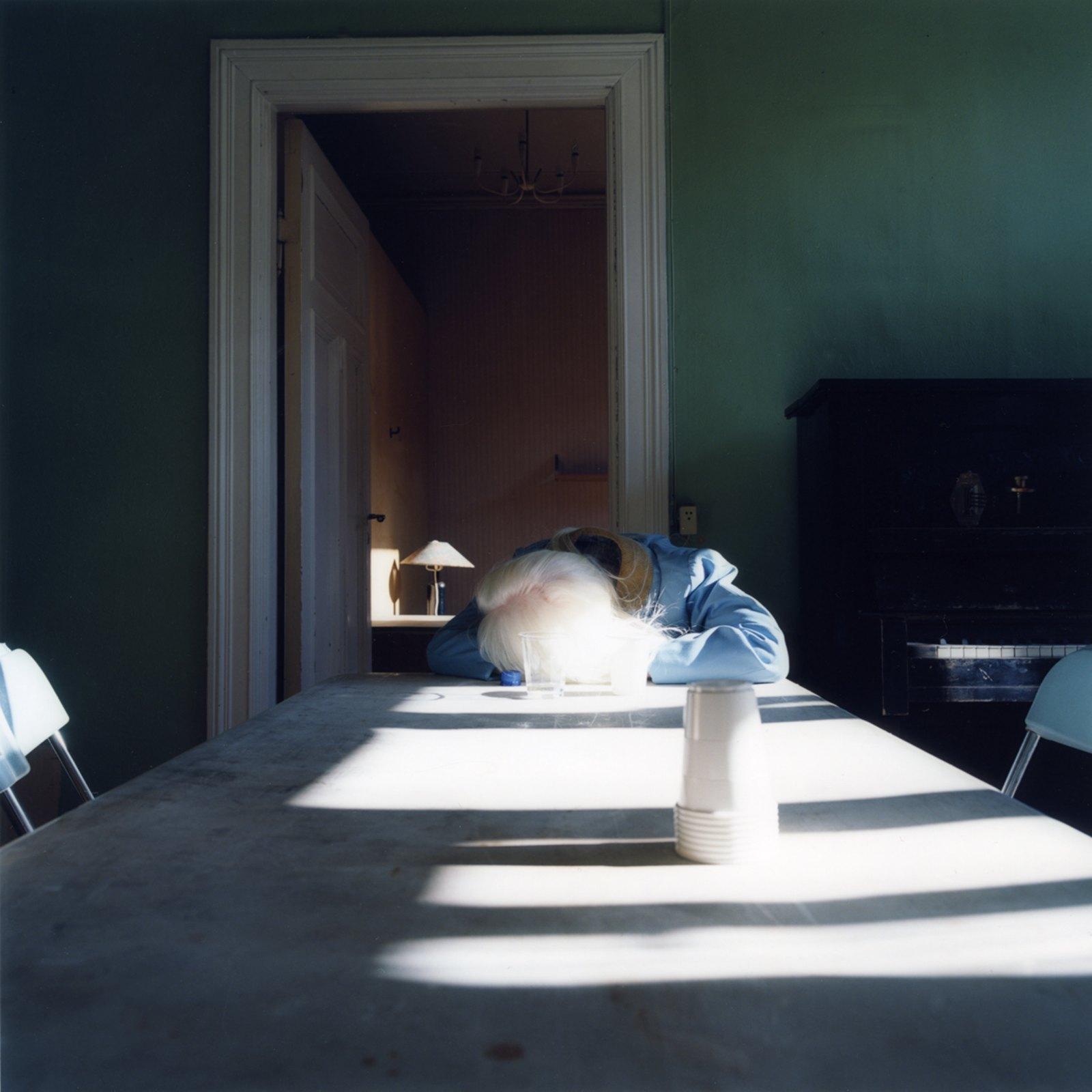 Still sleeping, 2009, c-print, 120 x 120 cm