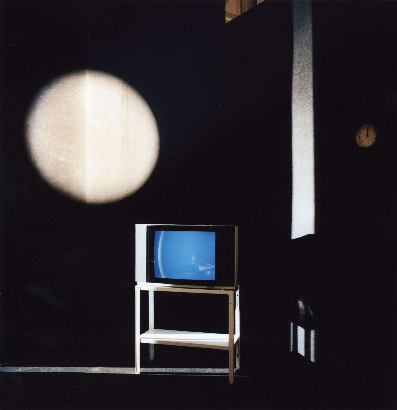 Room 2202, 2011. C-print, 80 x 80 cm