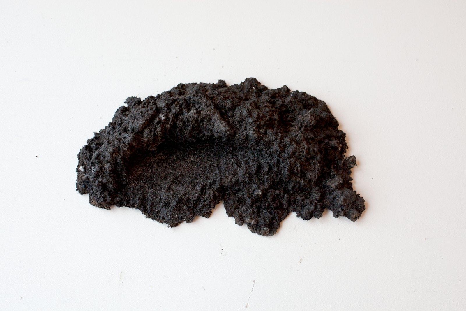 Sorkhög (Molehill) #16, 2011, 86,5 x 37 x 21,5 cm, bronze, unique