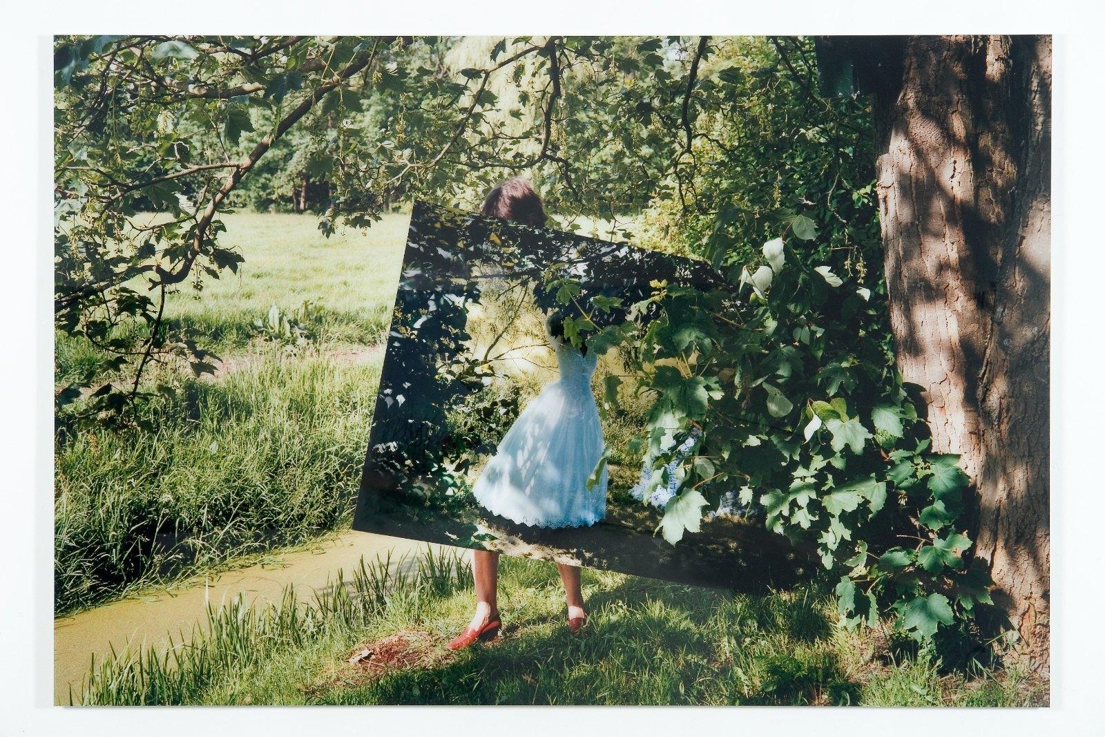 Stand-in, 2007, colour photo, perspex, aluminium, 120 x 178 cm