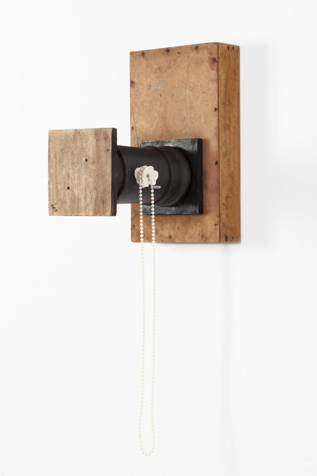 De Profundis X (piedestal), 2013, mixed media, 110 x 31 x 49,5 cm