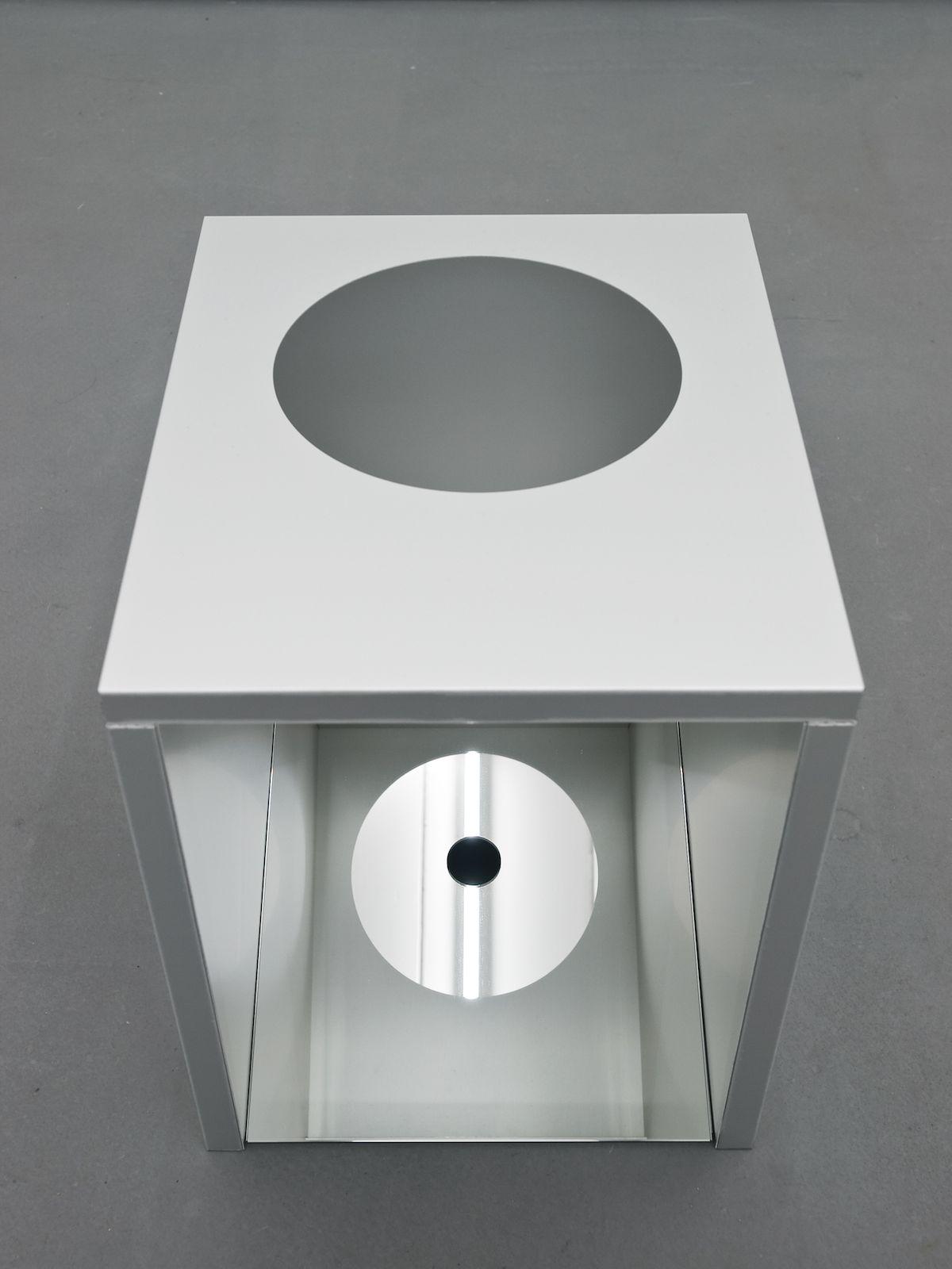 Brazilian wax, 2010, aluminium, mirror, 45 x 37 x 45 cm