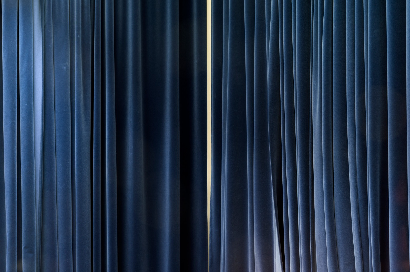 curtains revealing a wall, interior view American Embassy Oslo, 2014, giclée print mounted on aluminum, 150 x 225 cm, ed. 5
