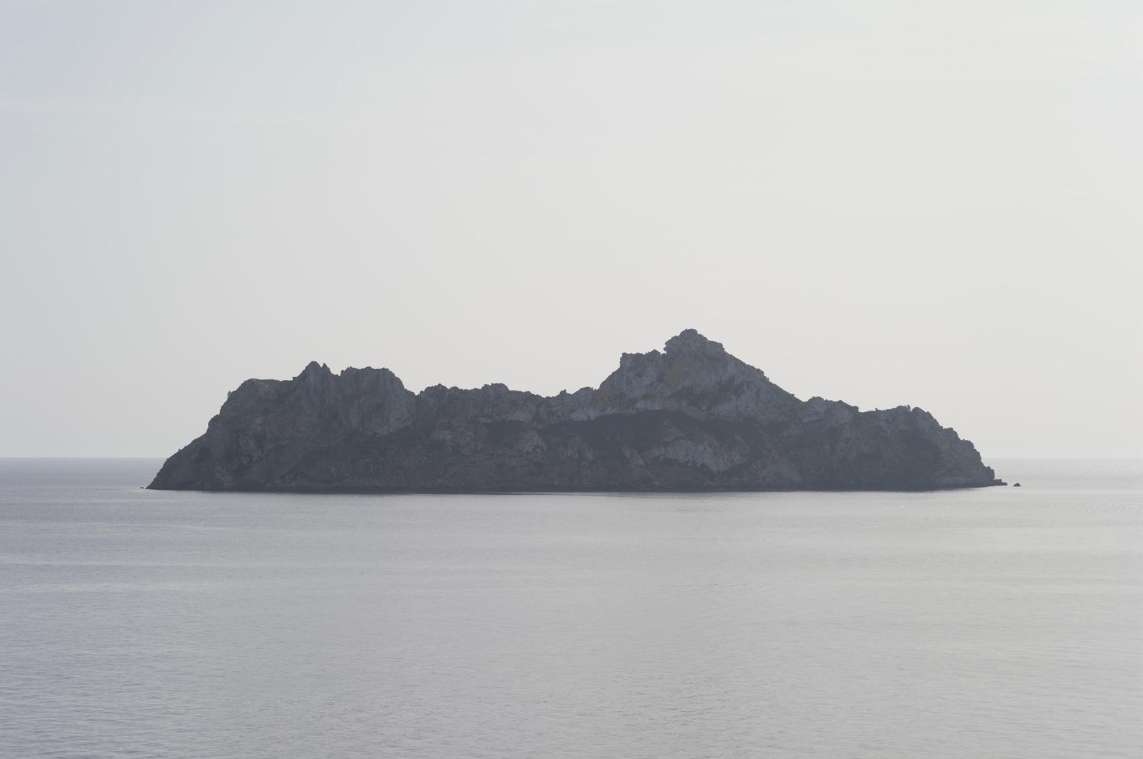 the island, 2015, giclée print mounted on aluminum, 112,5 x 169 cm, ed. 5