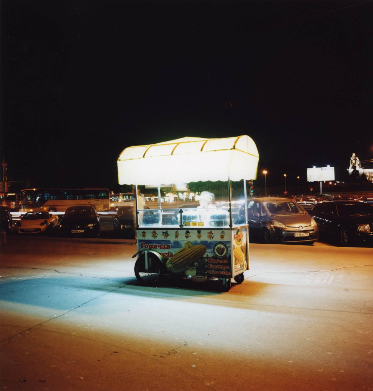 Wagon night, 2011, C-print, 80 x 80 cm