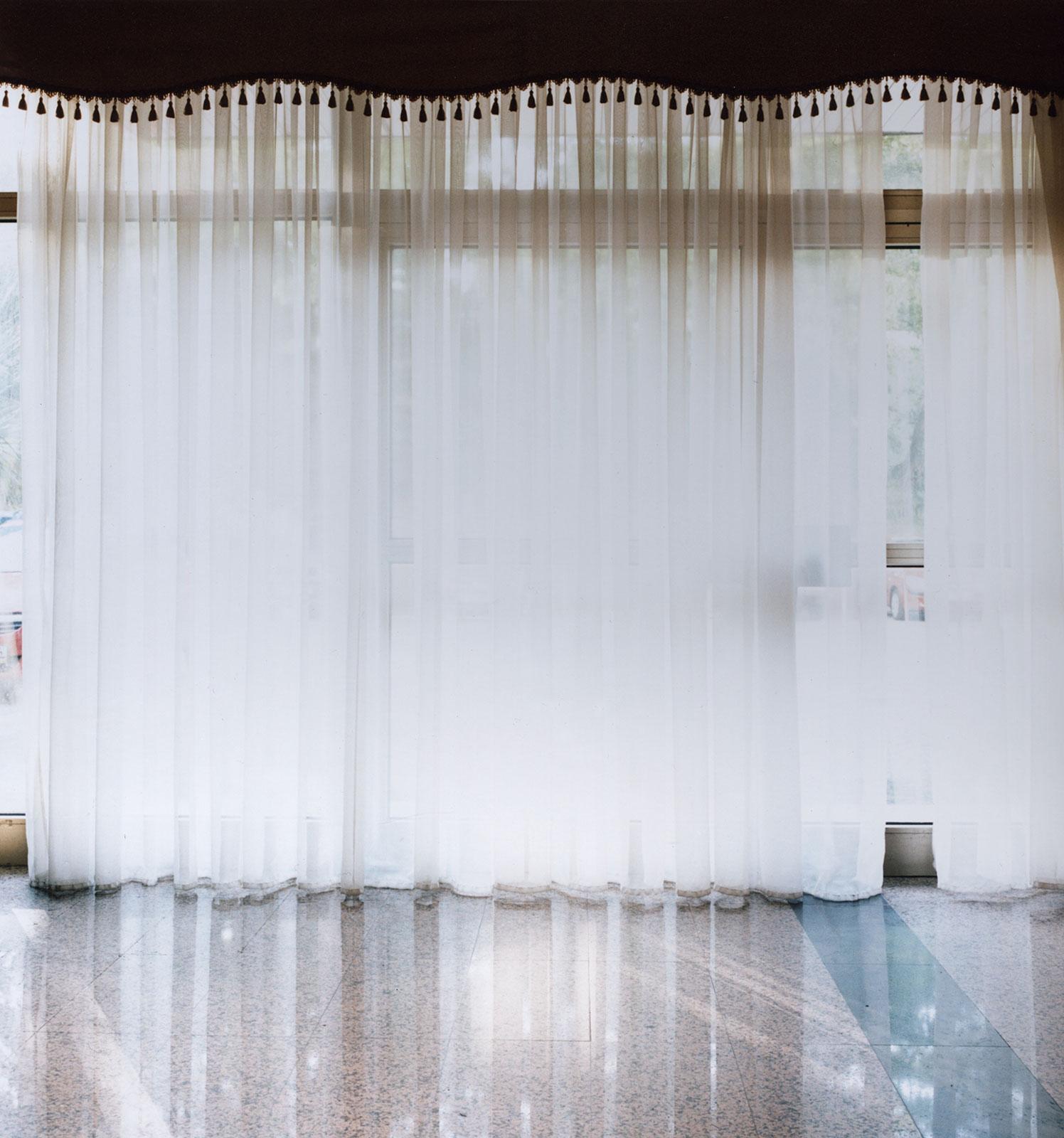 Curtains, 2014/2016, C-print, 100 x 100 cm, ed. 5