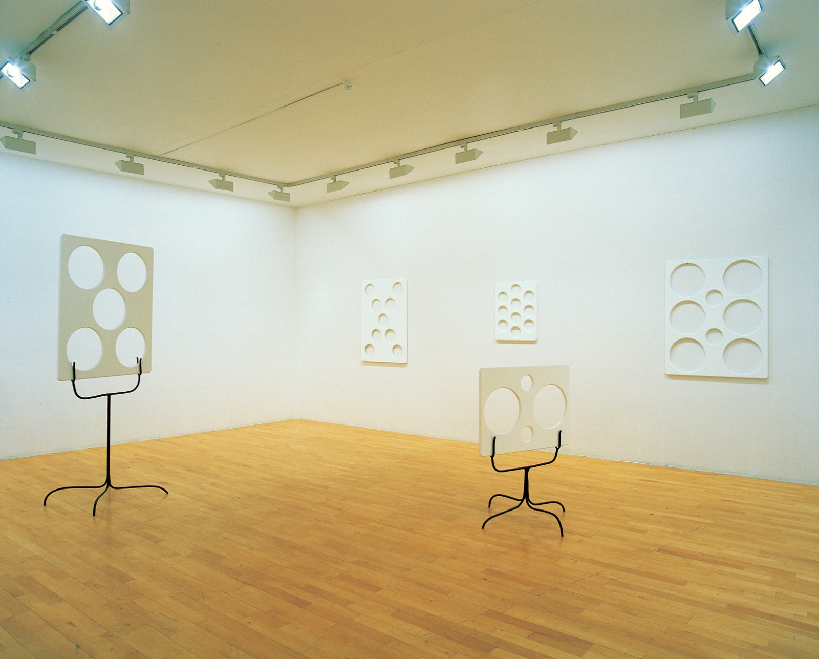 "Installation view ""Everything but the painting, Conditions of art and love"", Galleri Riis 1999"
