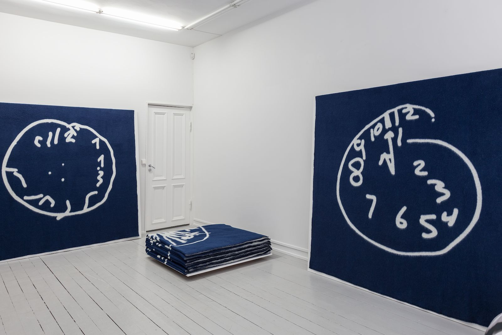 Time is ticking, 2014, pure lambs wool, 240 x 220 cm