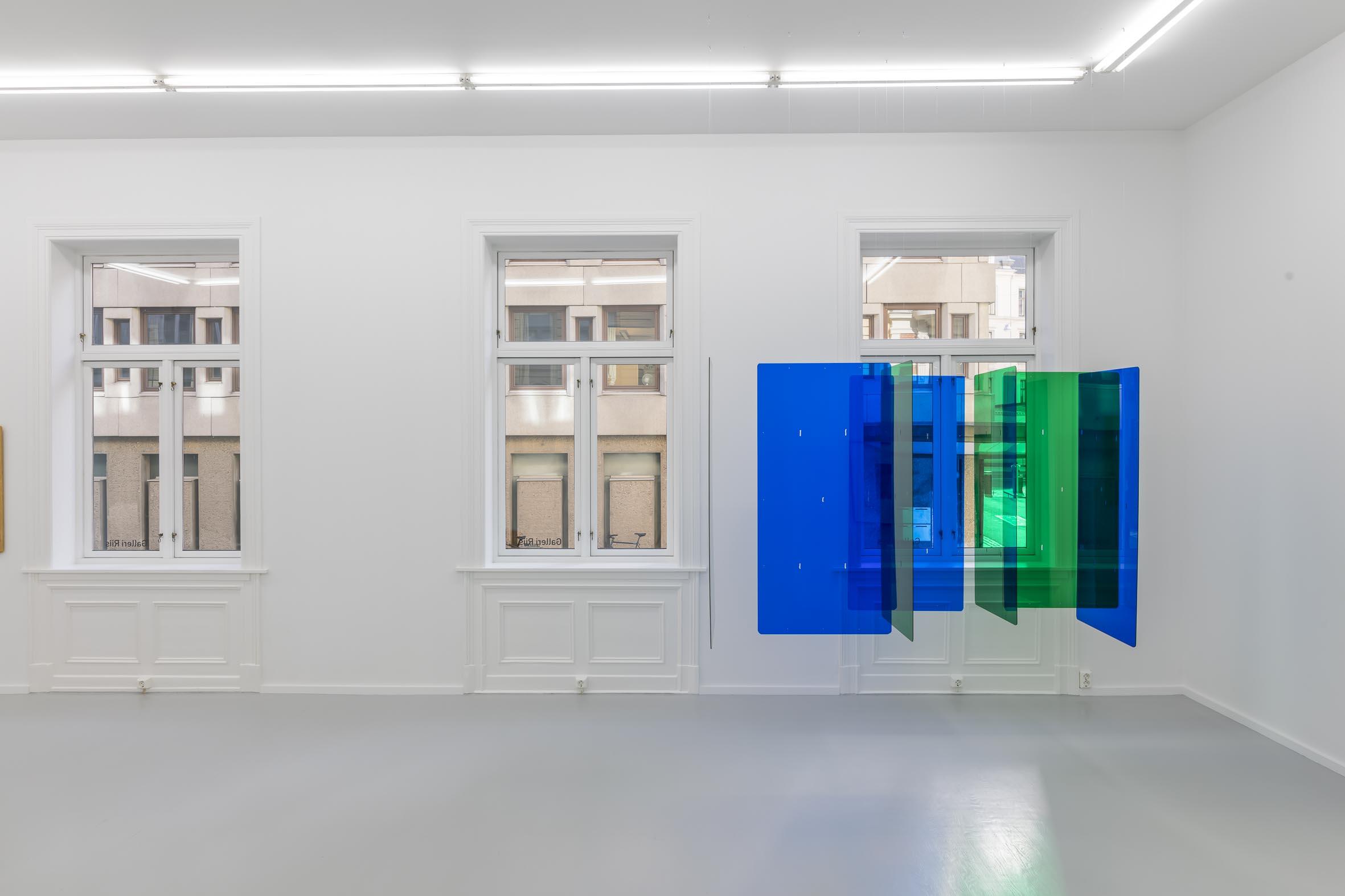 kortstokk blå/grønn, 2000, plexiglas, variable dimensions