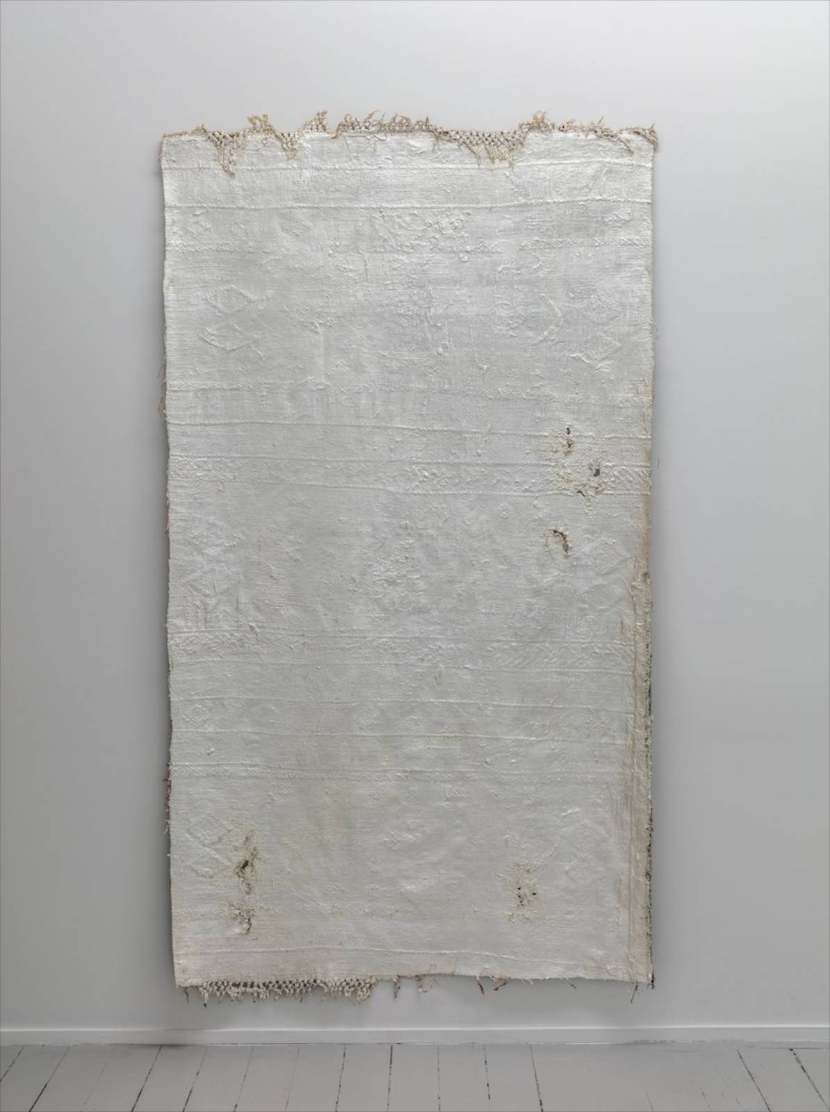 Al-mulk, 2017, anatolian rug, rubber, silverleaf, lacquer, 220 x 119 cm