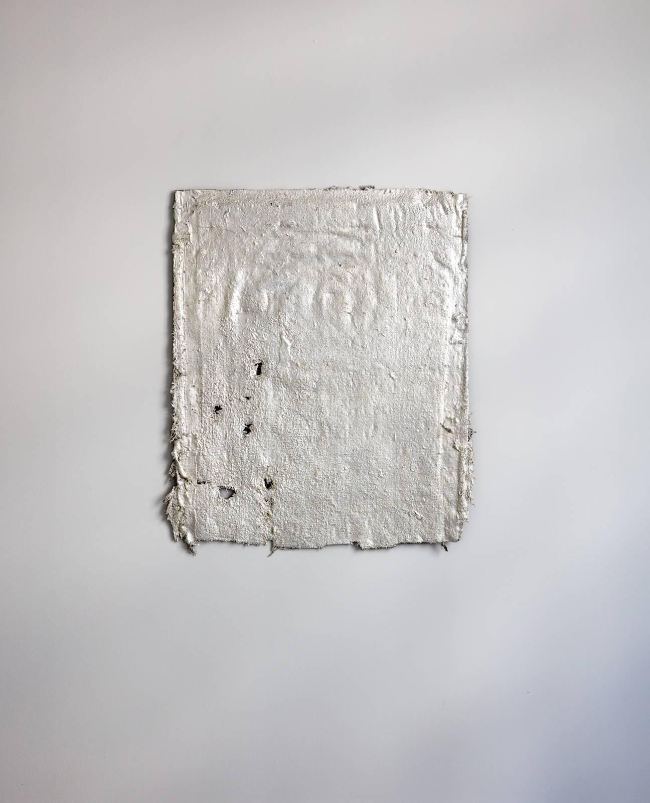 …tearing through these quarters…, 2017, baluch rug, ruler, silverleaf, lacquer, 82 x 69,5 cm