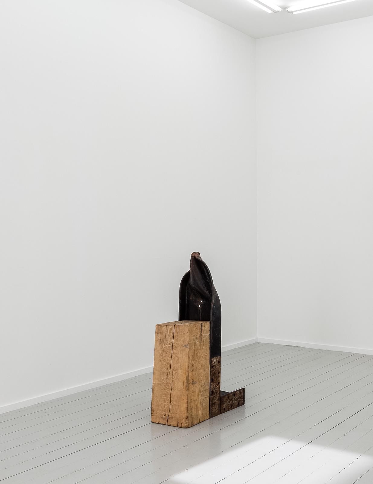 Sverre Wyller, Kolbu 5, 2017, Wood and painted steel, 110 x 75 x 33 cm