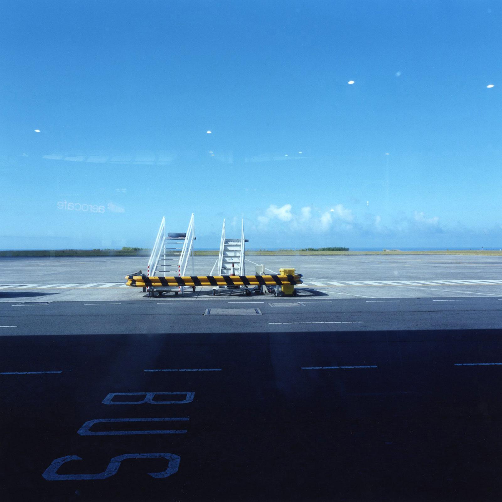 Ponta Delgada Airport 11:18, 2008, C-print, 100 x 100 cm