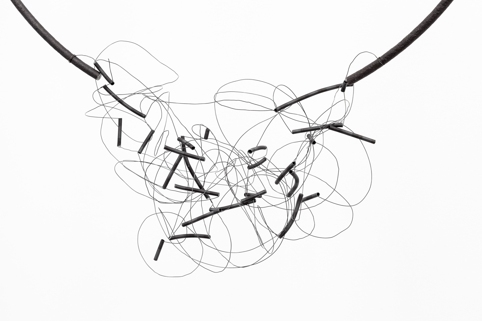 Tone Vigeland, Untitled, 2017, Steel and found iron, 85 x 67 x 35 cm (installed)