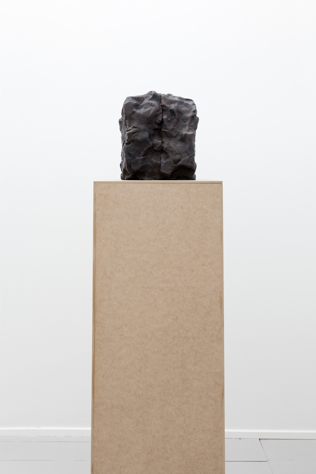 Dobbel I, 2017, Patinated bronze, 26 x 15 x 22,5 cm