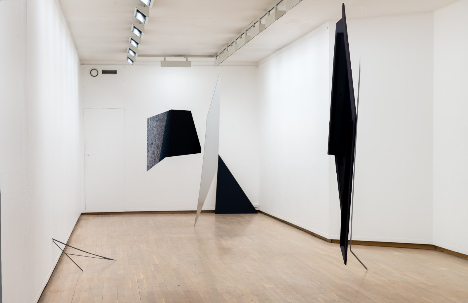 Installation view, Marie Buskov 'Window, Figures, Leaves', Kunstnerforbundet, Oslo 2013. Photo: Thomas Tveter